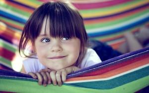 z-niña sonrie